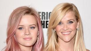 Reese Witherspoon lánya a húga is lehetne