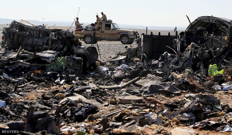 A gép roncsai a tragédia helyszínén