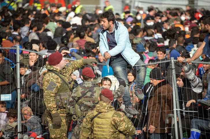 Migránsok az osztrák-szlovén határon