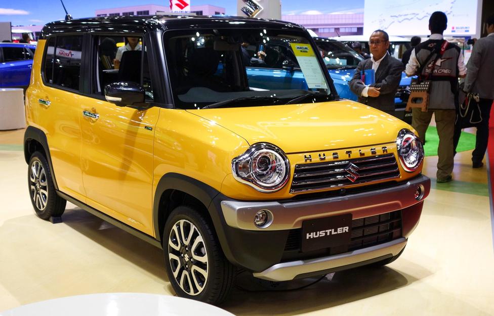 Ha tokiói szalon, akkor törpeautó: ezekkel nem lehet betelni. Valamennyi, már létező modell közül nálam ez a Suzuki Hustler vitte a prímet – szénné cukizott Jeep Renegade 1:1,5-ös méretarányban