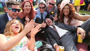 Így csapják szét magukat az ausztrálok egy nemzeti ünnepen