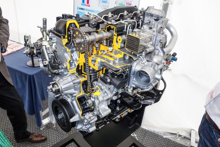 Már a Toyota is kénytelen bevezetni az AdBlue-t