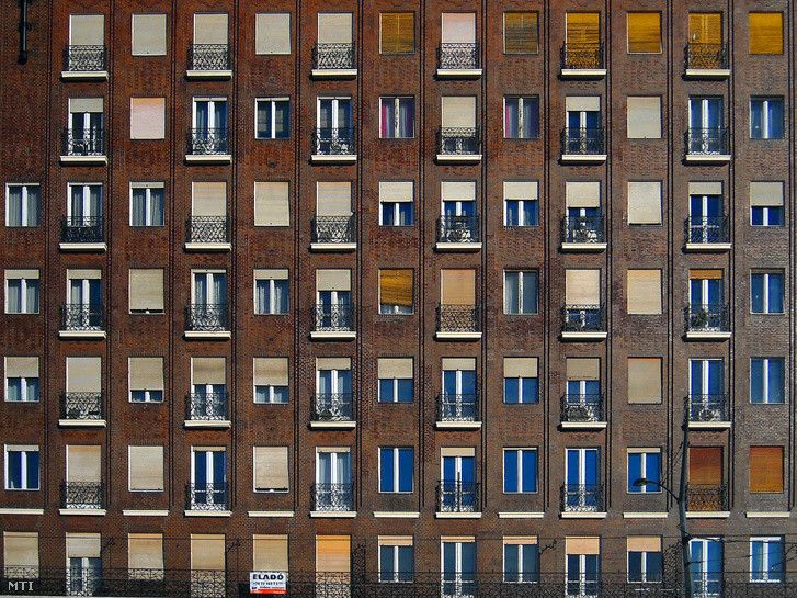 Eladó lakás a budapesti Madách-házak egyik épületében