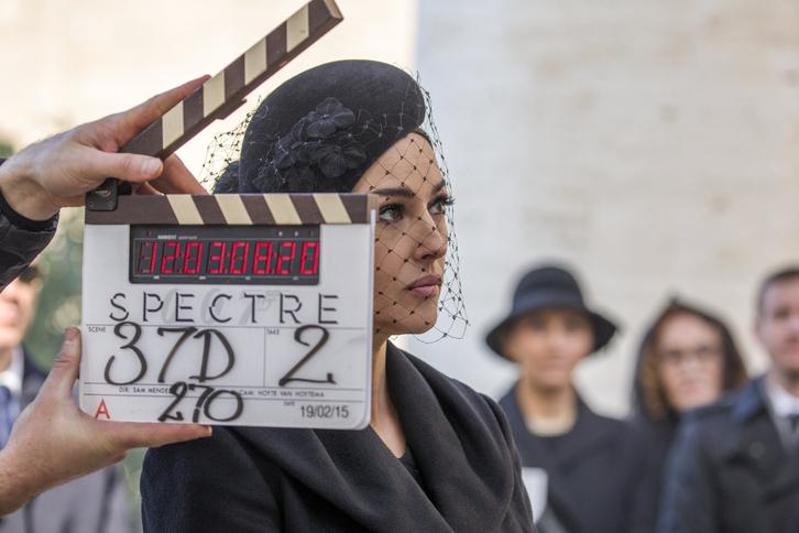 Monica Belluci a Spectre forgatásán