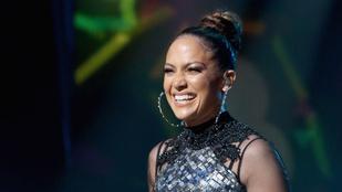 Azért az pofátlanság, hogy Jennifer Lopez ennyire jól néz ki 46 évesen
