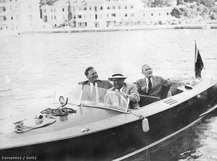 Tito a jachtján Brioni partjainál