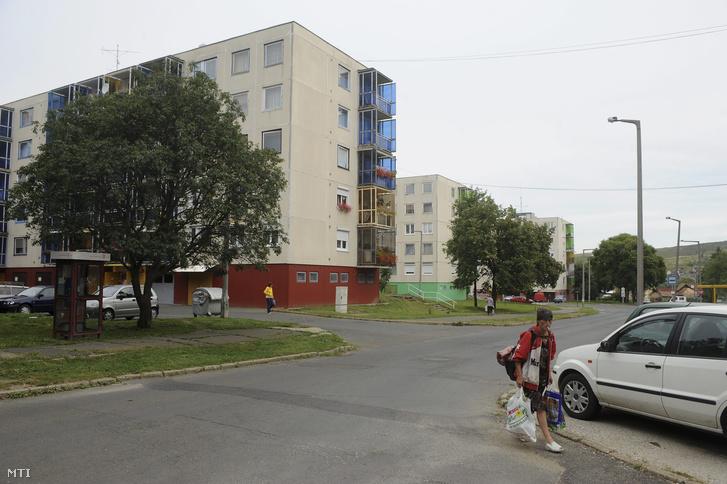 Panelházak az ózdi Újváros téren
