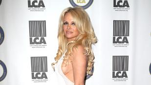 Pamela Anderson pucér képpel ünnepelte az egészségét