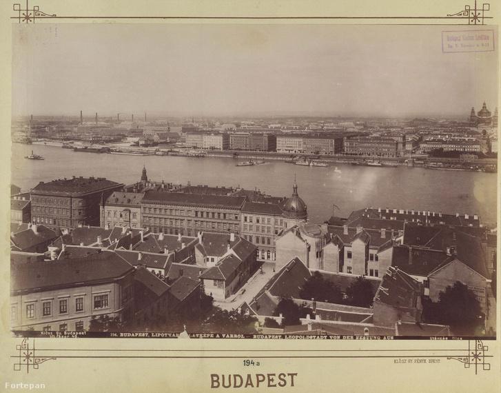 Budapest, háttérben a bazilika építkezése