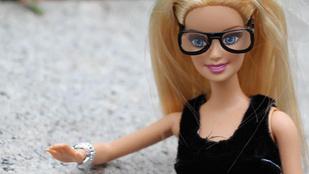 A Hipszter Barbie utáni űrt az Őszinte New York-i Barbie tölti be