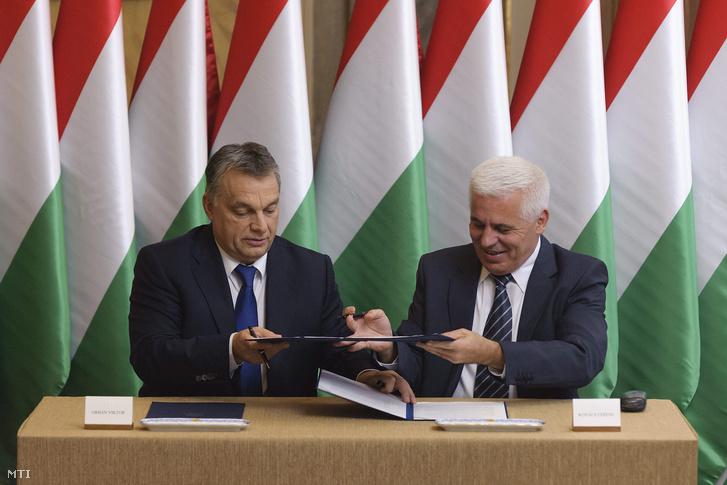 Orbán Viktor miniszterelnök és Kovács Ferenc, Nyíregyháza polgármestere.
