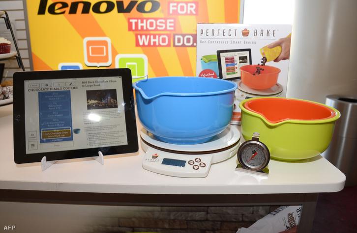 Appal kombinált sütőeszközök a Lenovo standján a Las Vegas-i CES vásáron