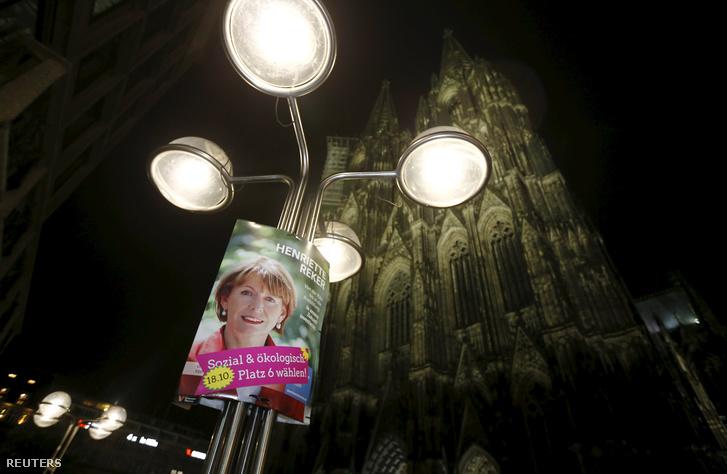 Henriette Reker választási plakátja a kölni dóm előtt