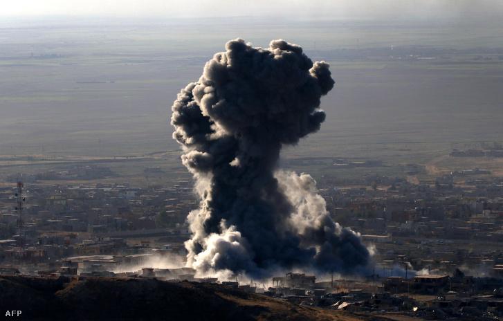 Az izraeli légierővel párhuzamosan a kurd hadsereg is bombázta az Iszlám Állam támaszpontjait Irakban