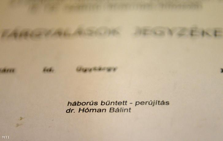 Tárgyalási jegyzék az 1946-ban életfogytig tartó fegyházbüntetésre ítélt Hóman Bálint egykori miniszter perújrafelvételi tárgyalásán a Fővárosi Törvényszéken. (2014.)