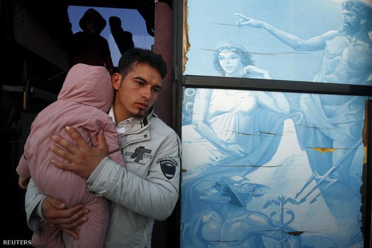Menekültek a macedón-görög határon
