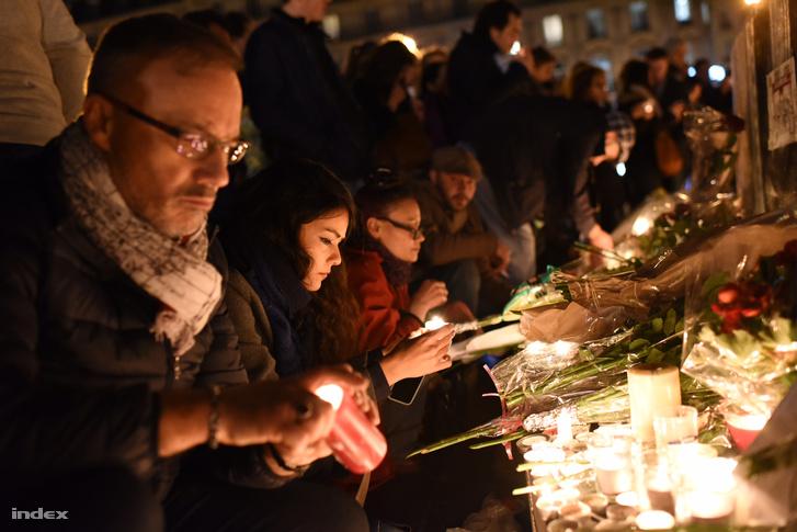 Fülöp Márton és Várhidi Pál halála mellett a párizsi mészárlás áldozataira is emlékeznek ma a magyar-norvég meccs előtt