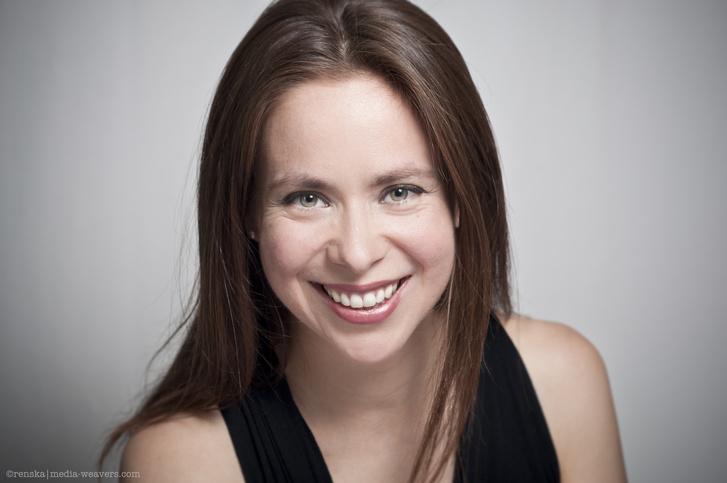 Stefanie True