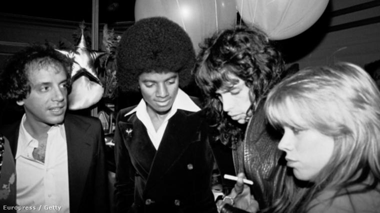 Balról jobbra: Steve Rubell, Michael Jackson, Steven Tyler, Cherie Currie a Studio 54-ben.