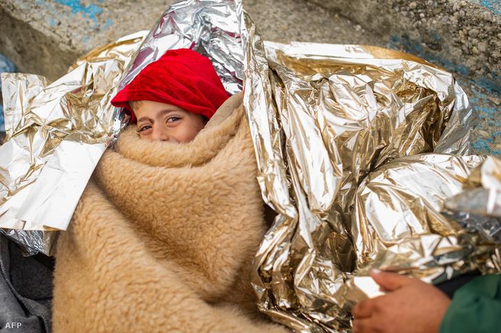 Szír menekült kisgyermek az osztrák-szlovén határon 2015. október 24-én.