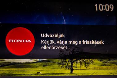 ...egyenesen a Honda-központhoz kapcsolódhatunk.