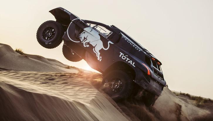 A Peugeot nagyon készül, a tavalyi elsietett visszatérés után idén már mindenképp nyernének a Dakaron