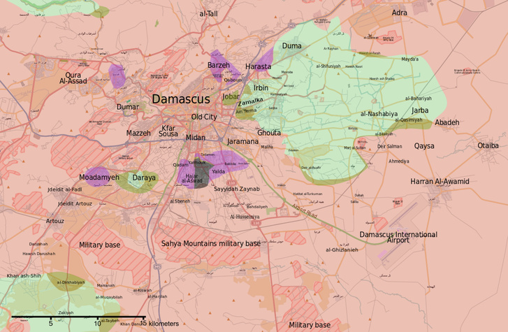 Damaszkusz frontvonalai térképen: a pirossal jelölt területek a kormányerőkhöz tartoznak, a zölddel jelölt terület pedig a felkelőké