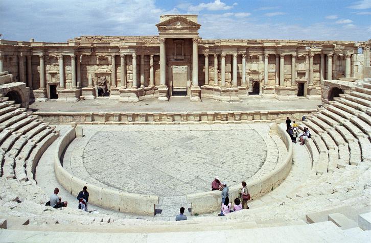 Palmüra ősi színházát lerombolták a terroristák