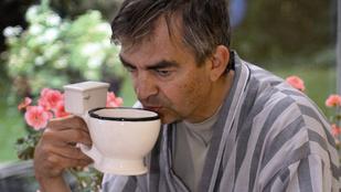 Reggel egy korty kávé, és rohan a vécére? Nem a kávé miatt van