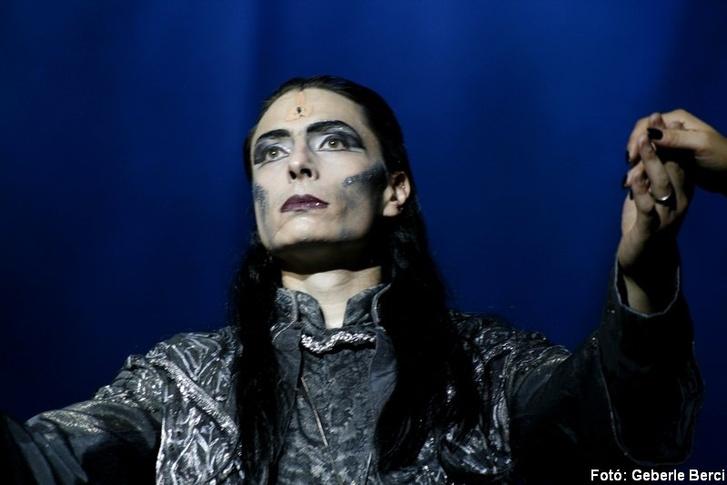Szabó P. Szilveszter Halálként az Elisbeth című musicalben