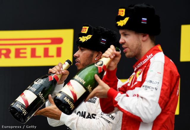 Hamilton és Vettel Szocsiban