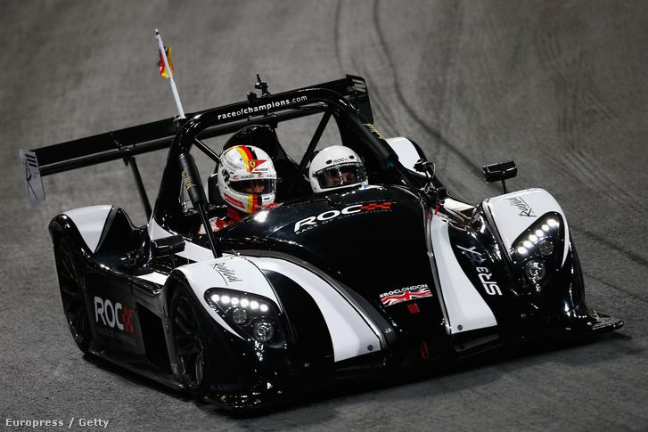 Fotó a Race of Champions-ről, a volánnál Sebastian Vettel: Mike Hewitt, Getty Images Hungary