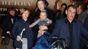 Liv Tyler gyerekei rendkívül cukik, és jól bírják a fotósokat
