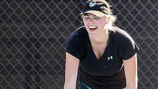 Kate Upton labdáit csak egy háló tartotta vissza
