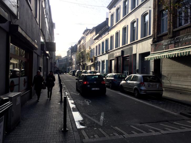 Rue Ransfort – itt tartotta az egyik razziát a belga rendőrség vasárnap este.