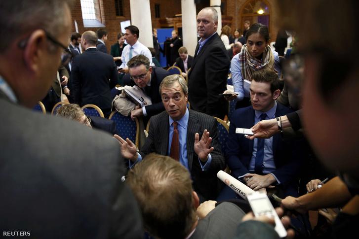 Nigel Farage a kilépésért kampányoló UKIP vezetője az 'Itt az idő elhagyni az EU-t' konferencián