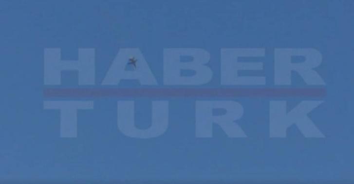 A zuhanó gép körvonala a török televízió felvételén
