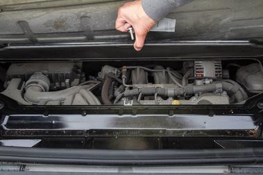 A Mitsubishi-féle háromhengeres a guru elmondása szerint mérföldekkel jobb és megbízhatóbb, mint a 600 köbcenti turbómotor volt.