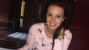 Sarka Kata pizsamában úgy néz ki, mint egy tini