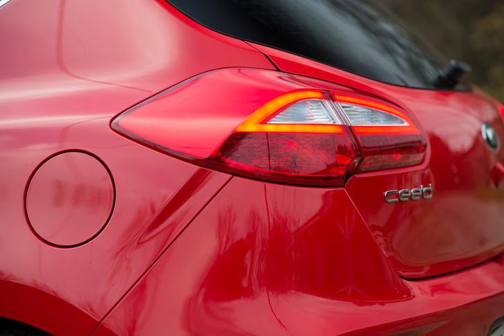 Az Opelről is a legjobb részletet, az Astra hátsólámpáját sikerült átmenteni
