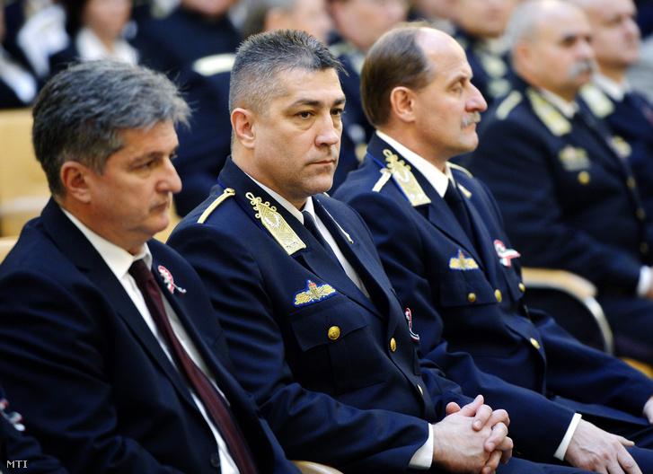 Hajdu János a TEK vezetője.