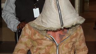 Mickey Rourke-ot kerekesszékben tolták a Los Angeles-i reptéren