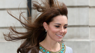 Hát illik így fújnia a szélnek Katalin hercegné haját?