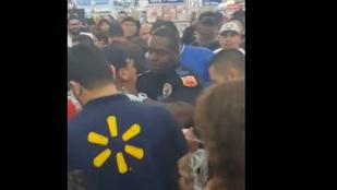 Black Friday: Amerikában egy rendőrt is leütöttek az akciós áruért