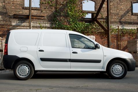 Reszkess Tibi, jön a fehér furgon