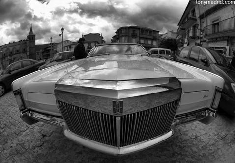 """""""Fogjunk egy Thunderbirdöt, és tegyük az elejére egy Rolls Royce hűtőrácsát!"""""""