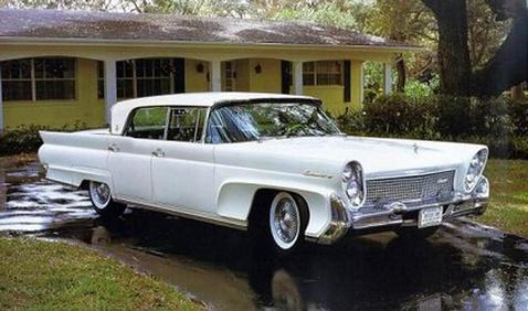 Az első  Mark III-as lényegében nem volt más, mint egy feltupírozott Lincoln Premiere