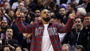 Drake és a mamája nagyon aranyosak, főleg együtt, amikor szól a Hotline Bling