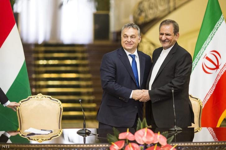 Orbán Viktor és Esak Dzsahangiri iráni alelnök tárgyalása után Teheránban 2015. november 30-án.