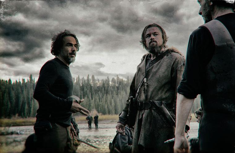 Leonardo DiCaprio és a rendező, Alejandro Gonzalez Inarritu a Visszatérő című film forgatásán.